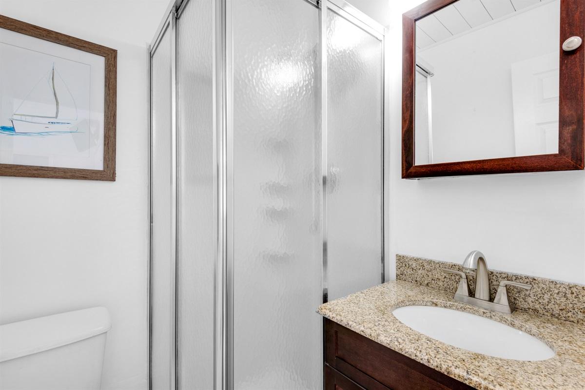 Guest bathroom w/walk-in shower