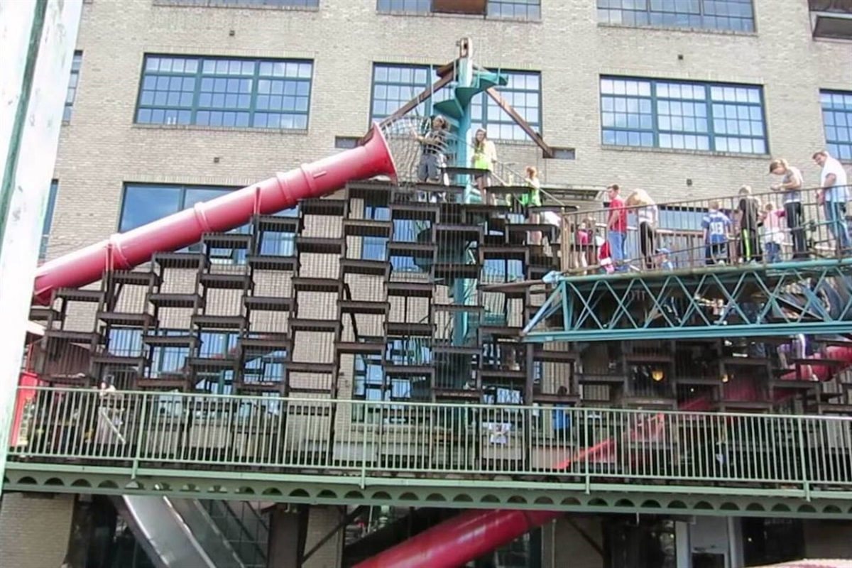 More of the City Museum.  Indoor/outdoor four story playground.