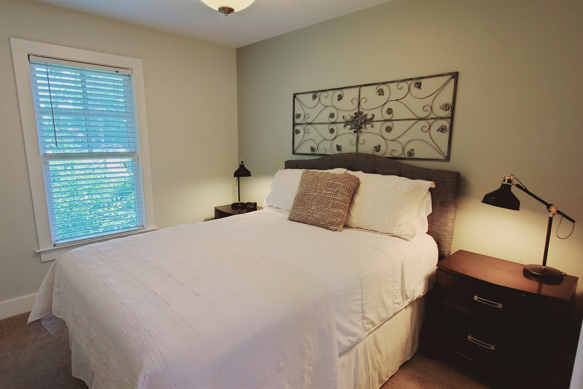 2nd Guest Room Q. Bed