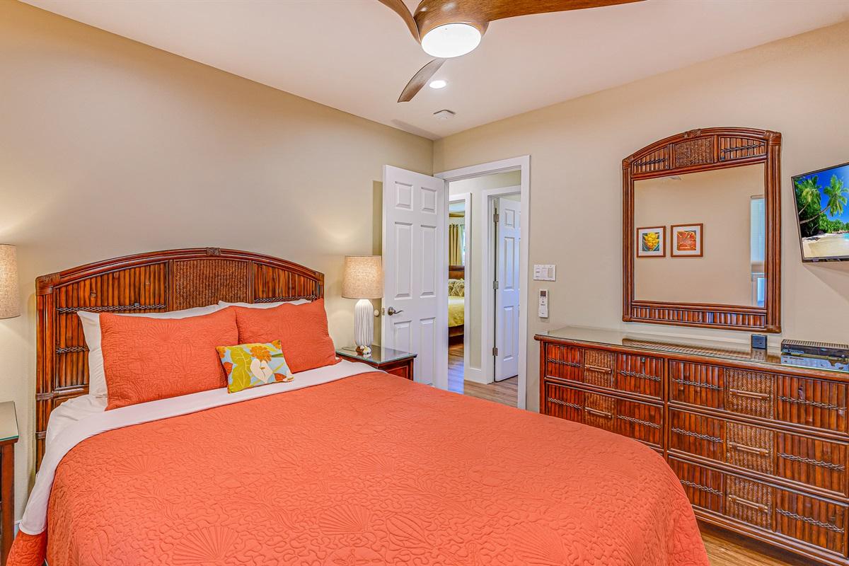 """BDR #4 Queen bed (luxury Posturepedic), 32"""" HD TV, quietAC, fan, dresser, mirror"""