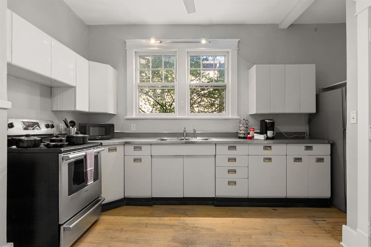 Kitchen with everything that you need to cook a great meal!