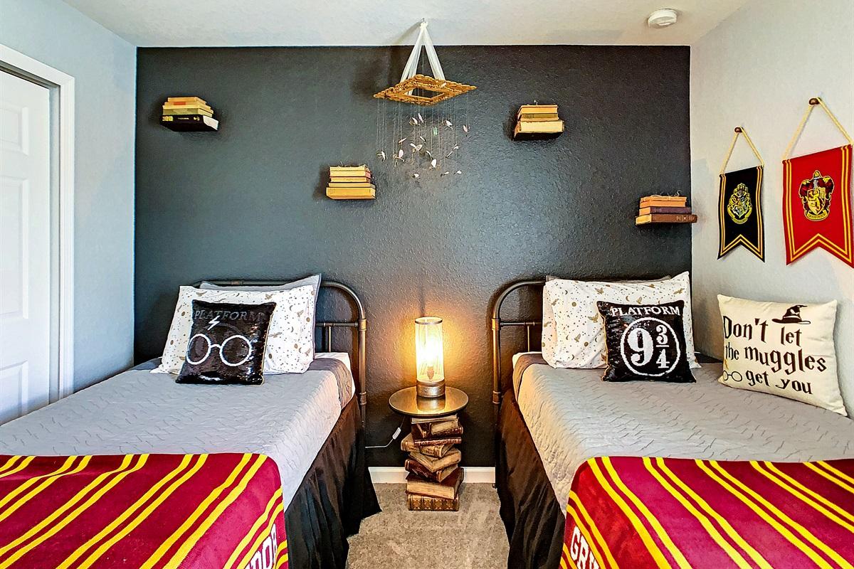Bedroom #4 (2 Twins)