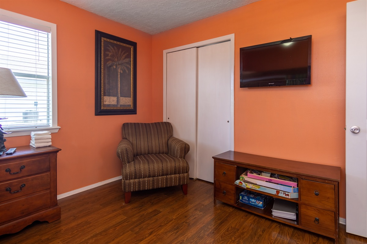 Bedroom 2 Seating
