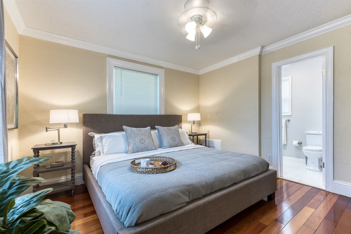Very spacious & extremely comfortable King-sized bed, en-suite bathroom and stylish finishes.