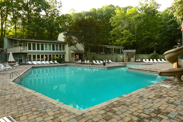 Chalet Village Clubhouse Community Pool. Open Memorial Day to Labor Day. Just a 1/2 mile from the chalet.