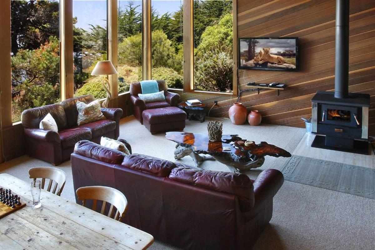 Ocean Bluff Serenity Living Room