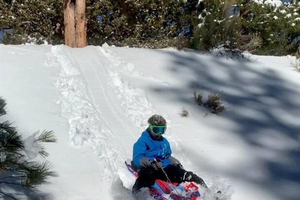 Sledding spots 1 minute from the cabin.
