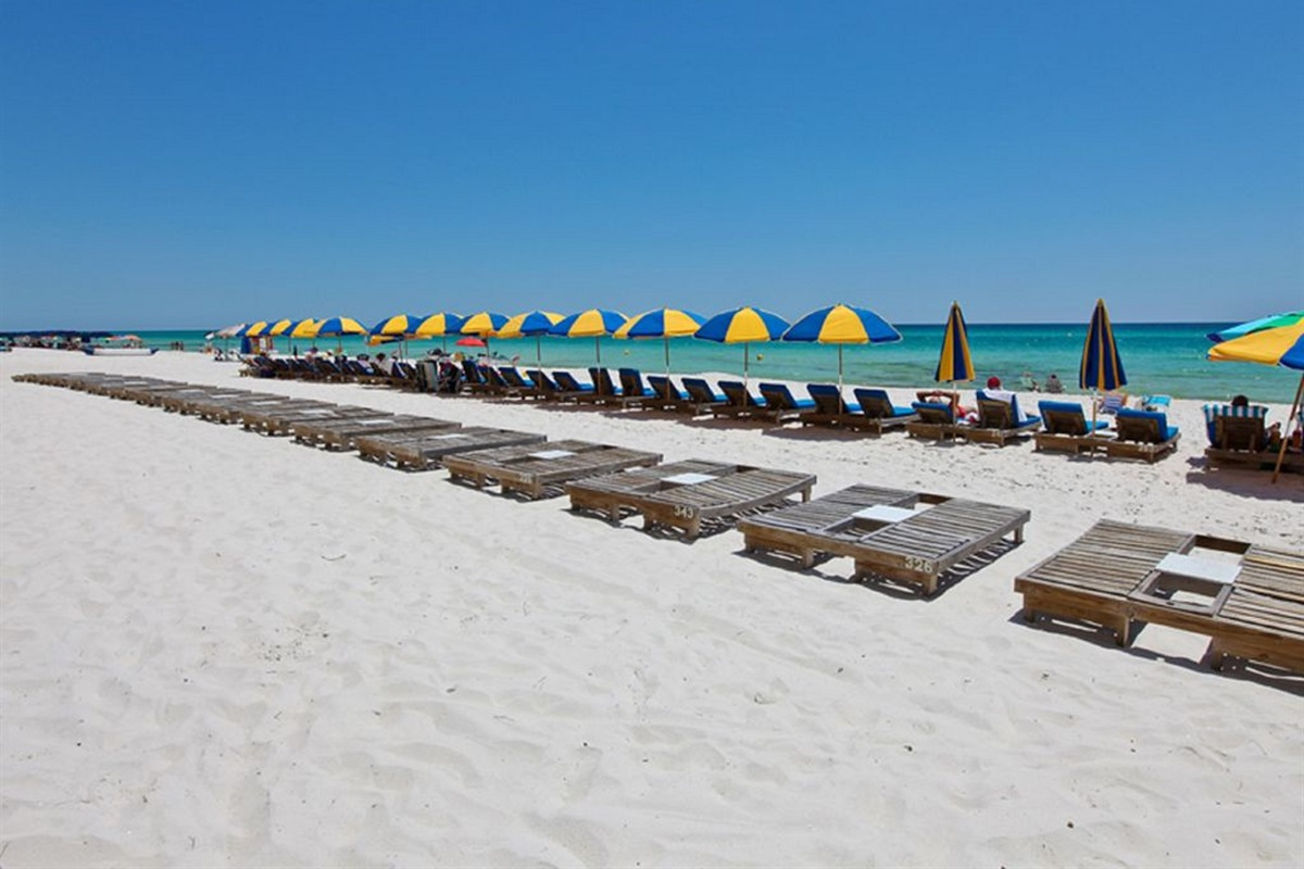 Beach chairs included mid march through Octoberi