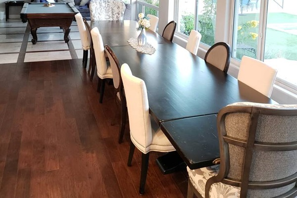 Large dining table, perfect for family and/or friends gathering!