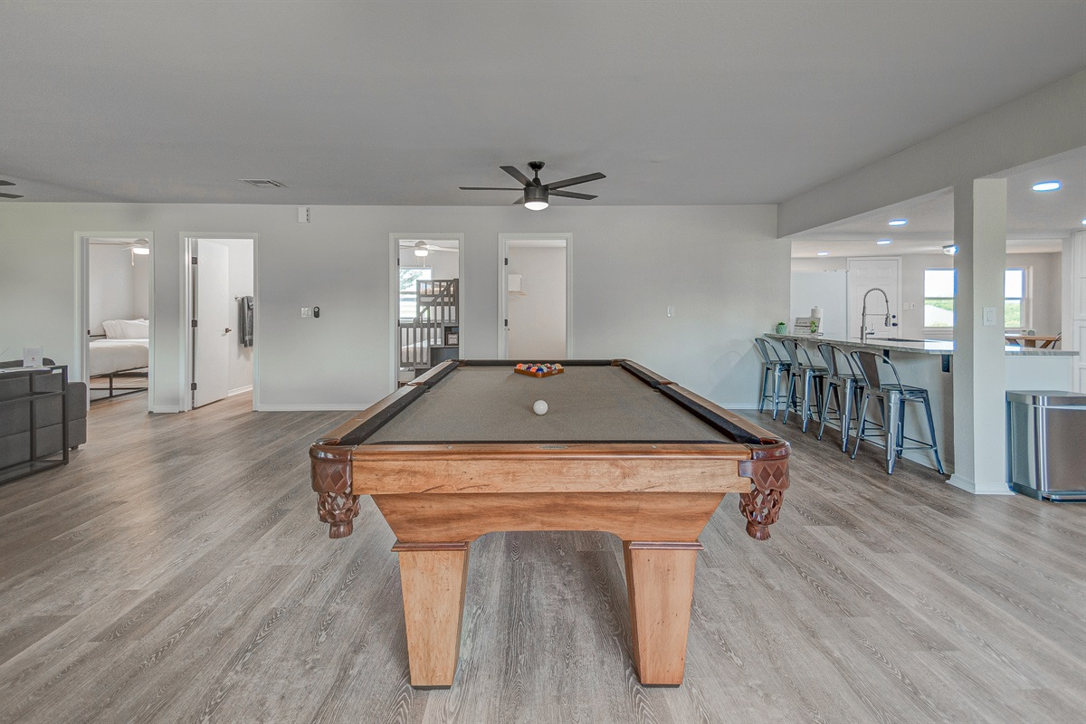 Large entertaining area with pool table