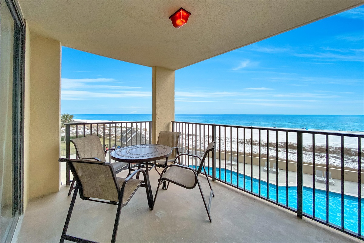 Balcony with Outdoor Dining Set