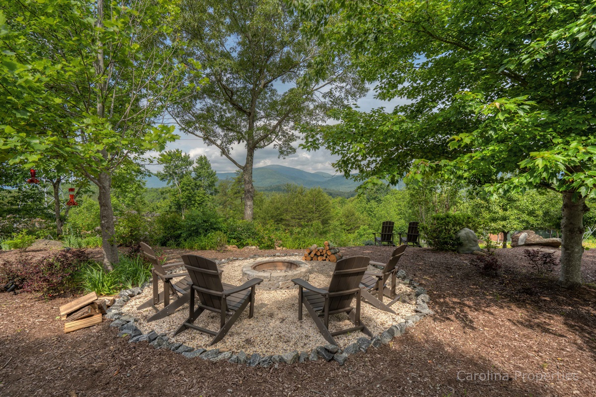 Firepit overlooking the mountains