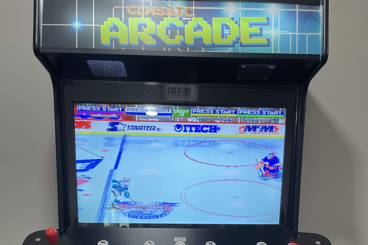 Brand New 4 player Arcade game with 4500 games