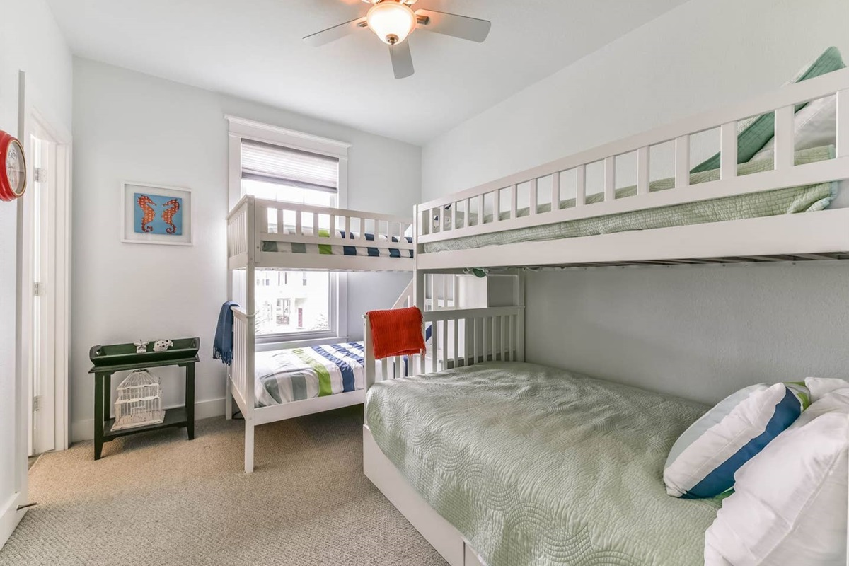 Bunk Bedroom Even Offers it`s Own en Suite Bathroom Also