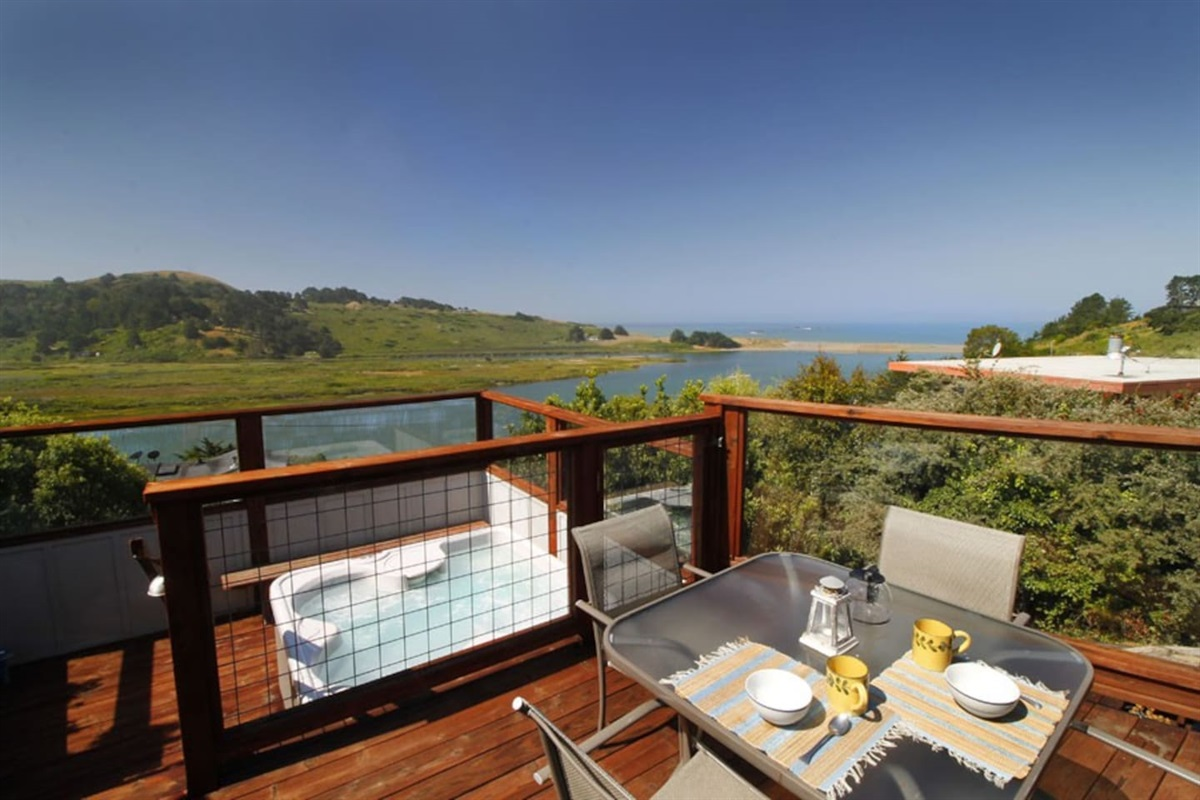 River Sea Cottage Dining Deck & Hot Tub to River Ocean Views