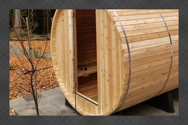 Barrel sauna is a rare amenity to enjoy!