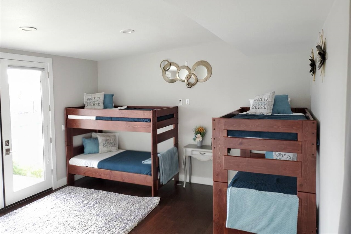 Suite attached to bedroom 5 - bunk beds are great for the kiddos!