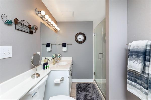 Guest Bath w/ Shower