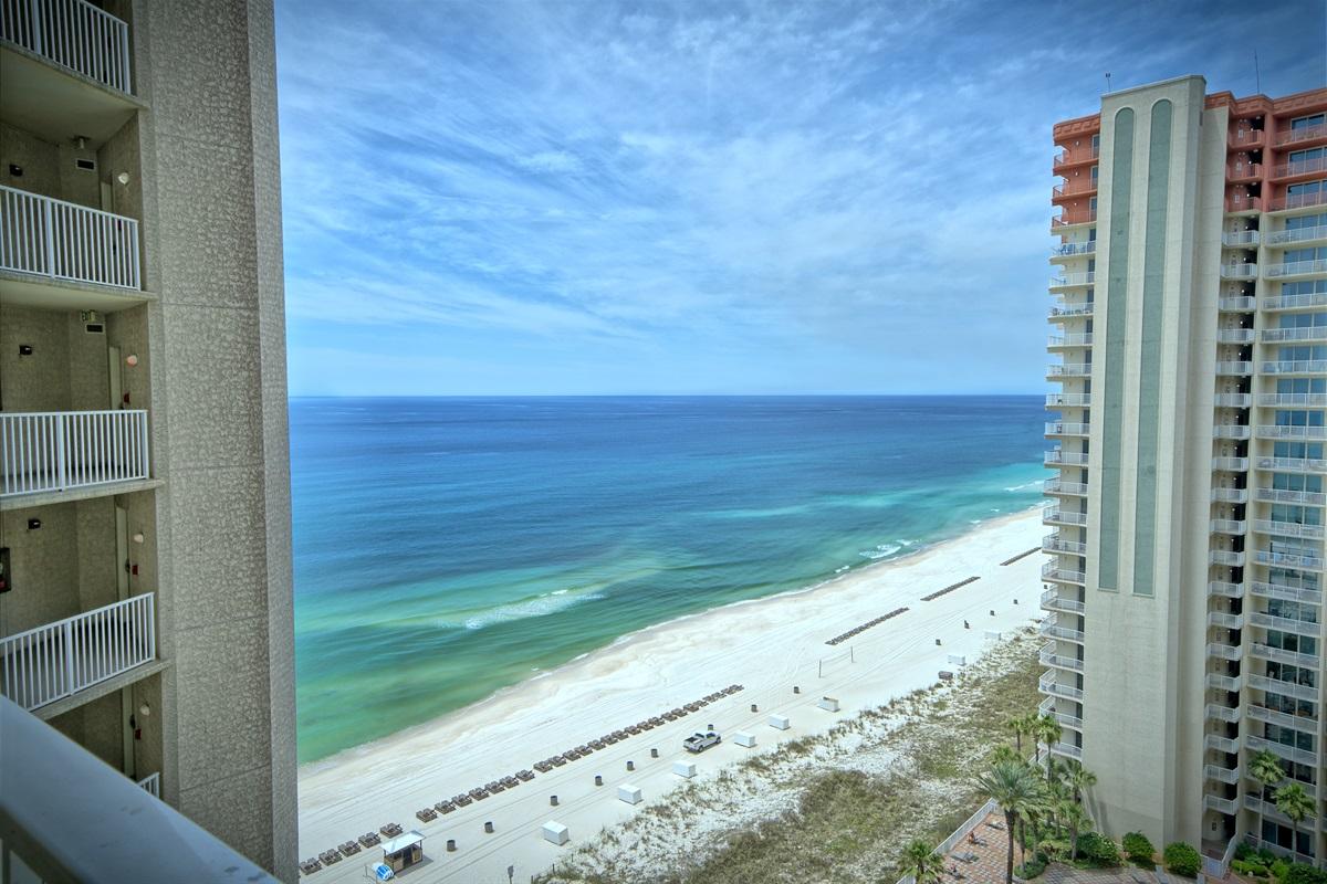 1527 Balcony View!
