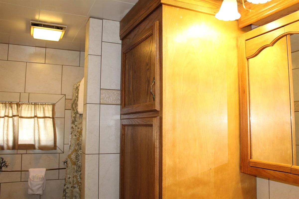 Fully tiled baths