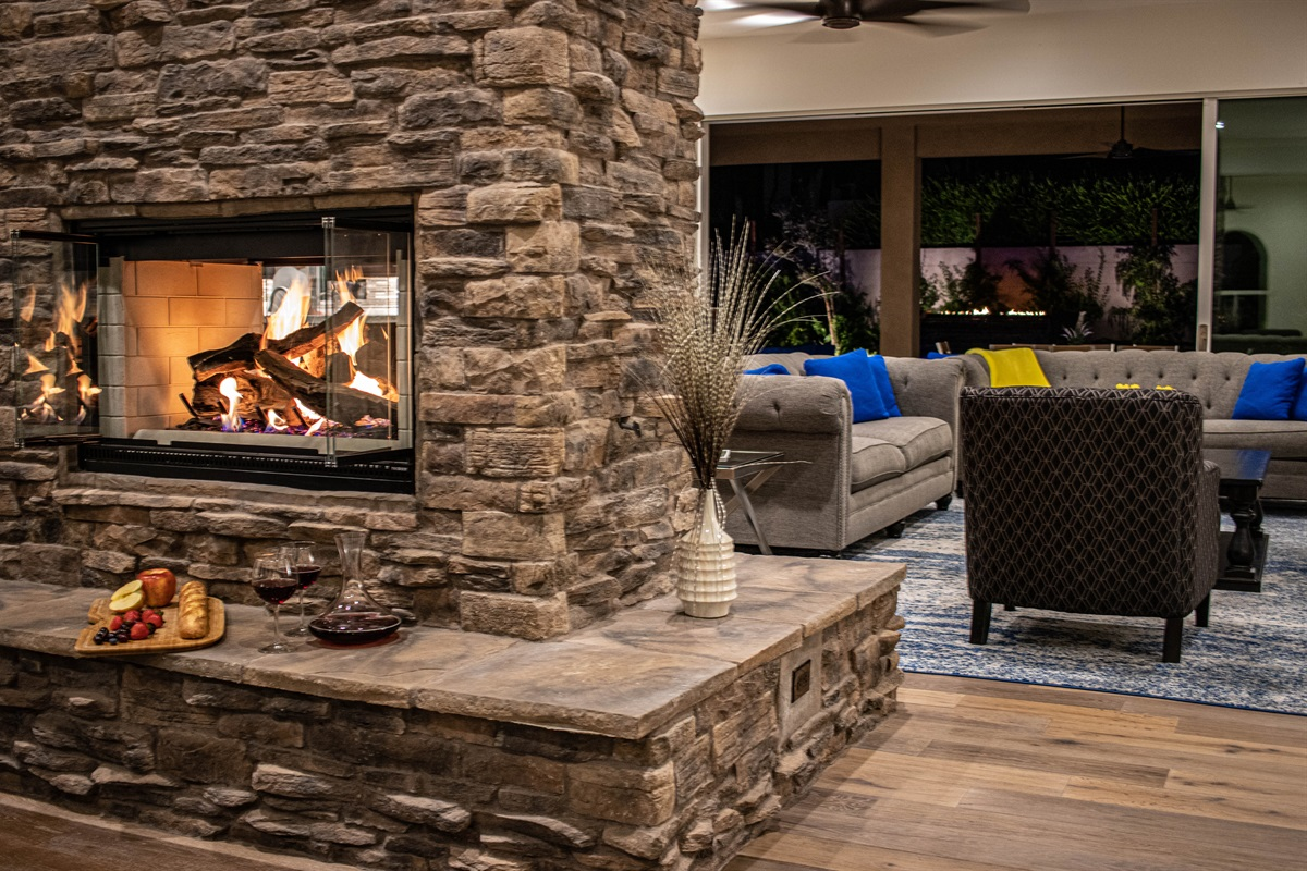 Enjoy your desert nights with the cozy fire