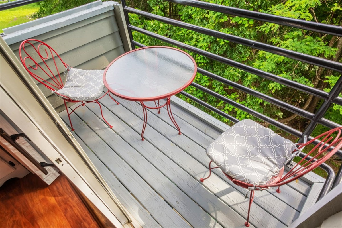 Back deck wooded views, great for bear watching!