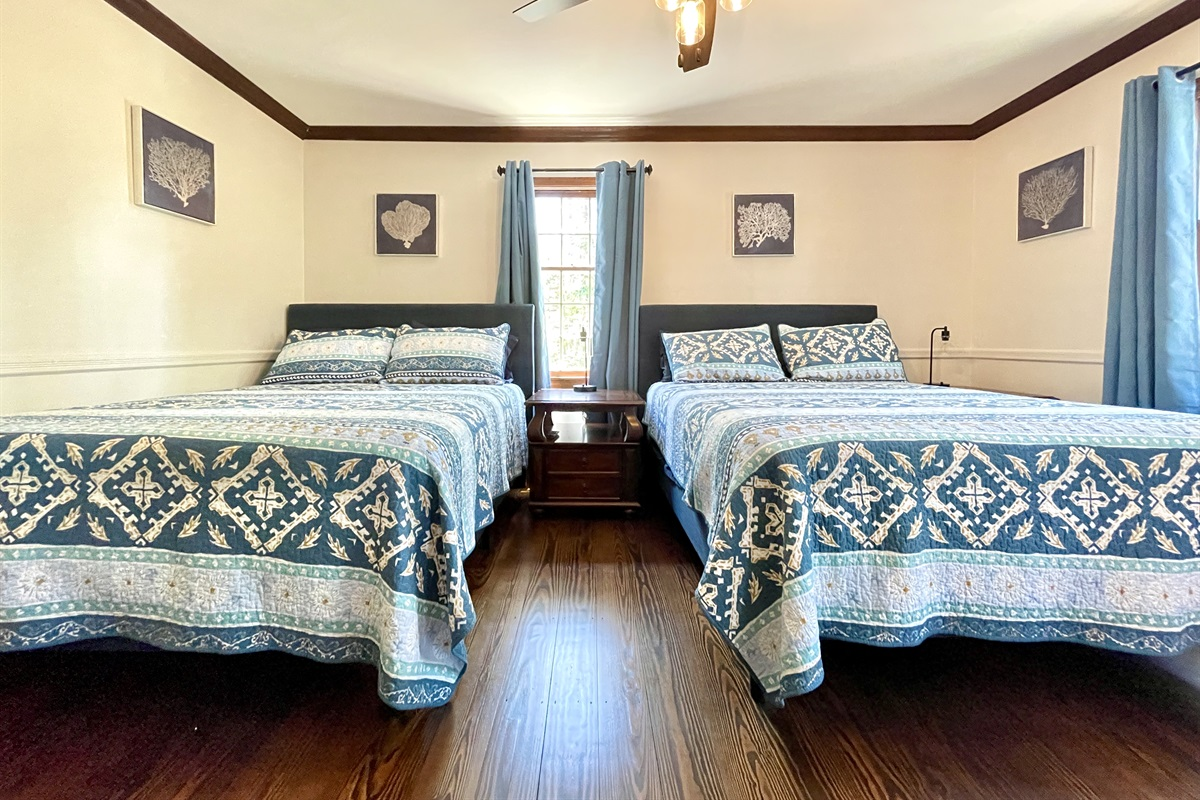 Bedroom #2 (2) Queens