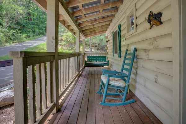 Front porch with swing!