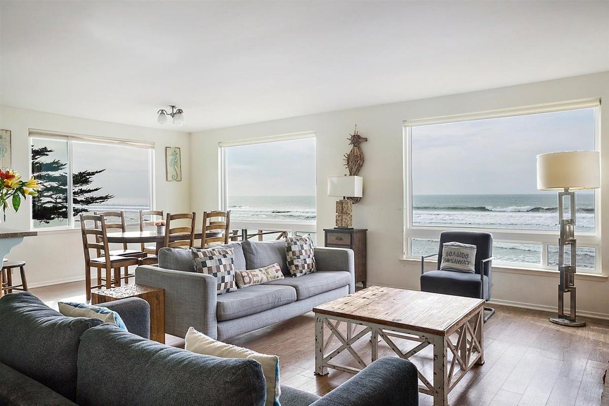 open concept living/dinning/kitchen