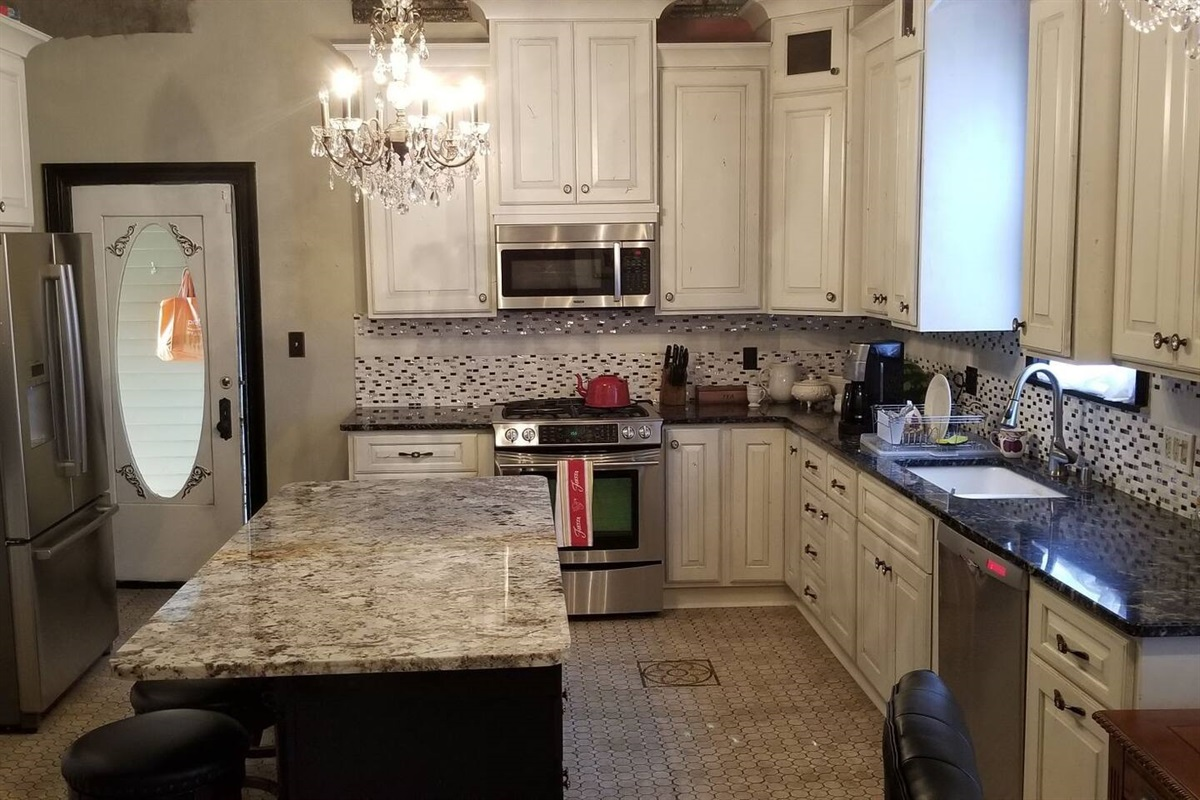 Common Area - Full Kitchen