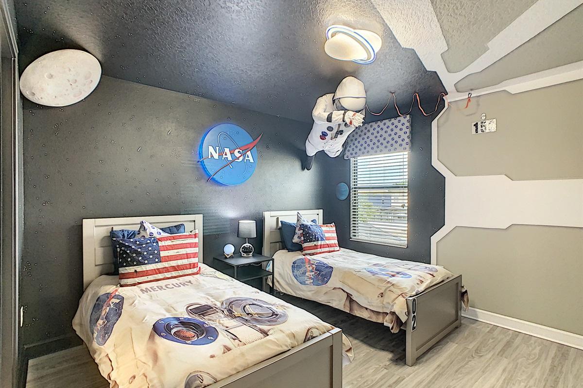 Bedroom #6-2nd Floor-Twin Beds