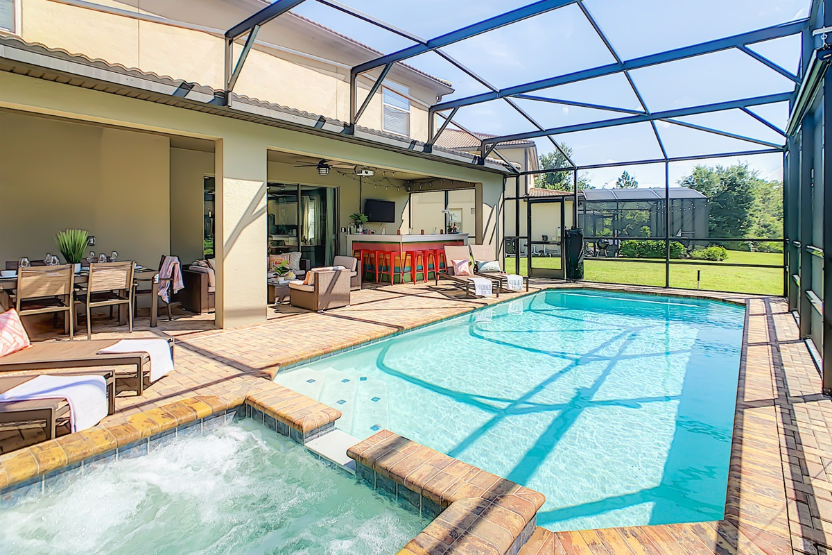 South Facing Very Private Heated Pool And Spa (heating extra $)