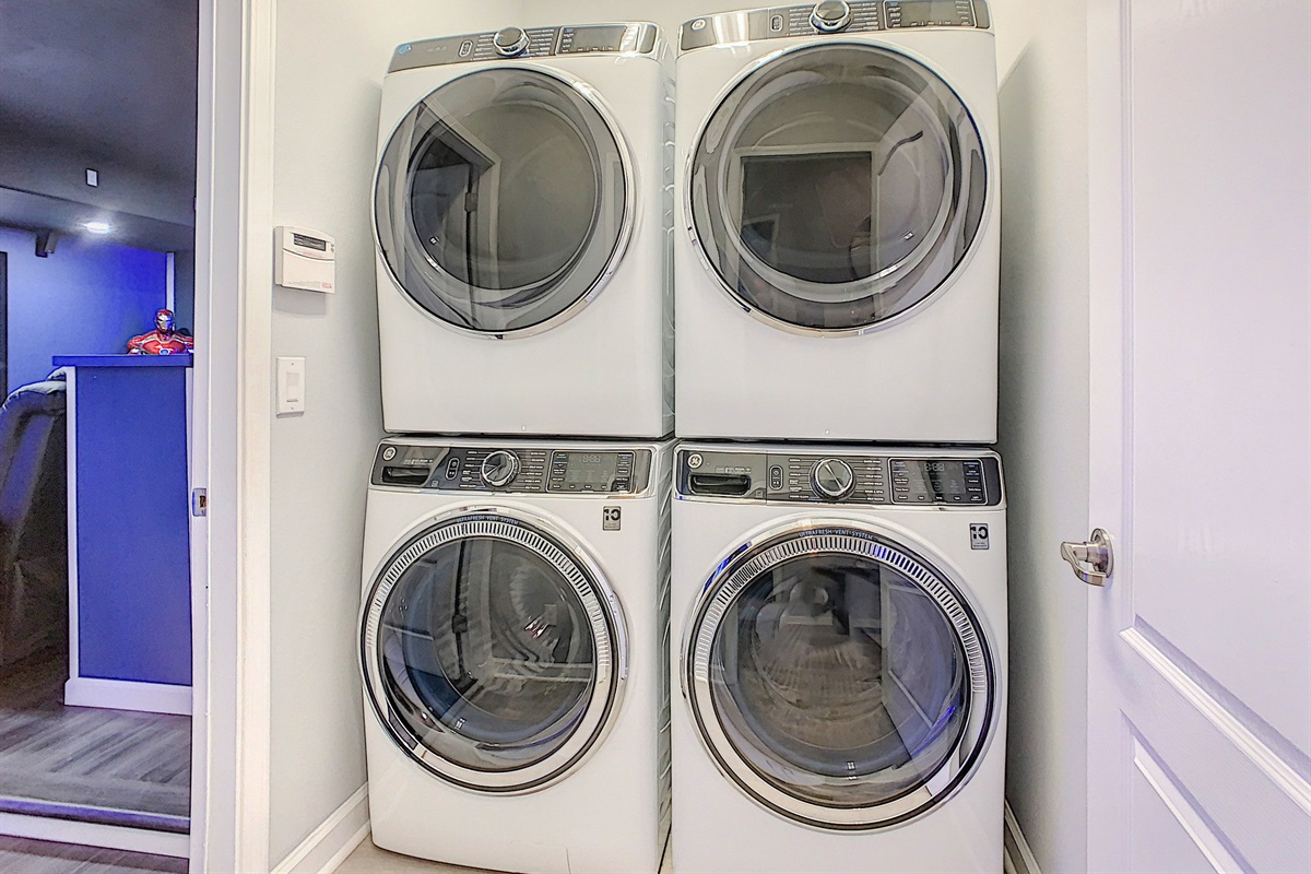 2 Washers-2 Dryers-FREE to use