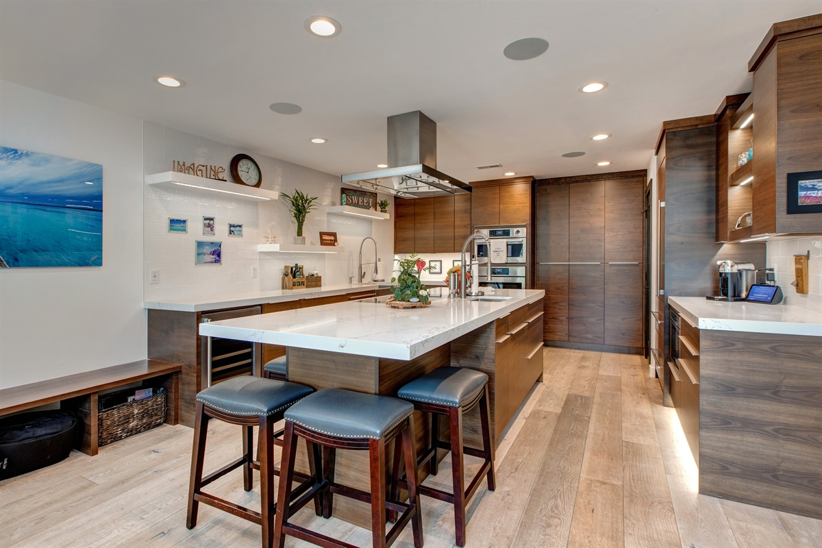Kitchen - with all the amenities