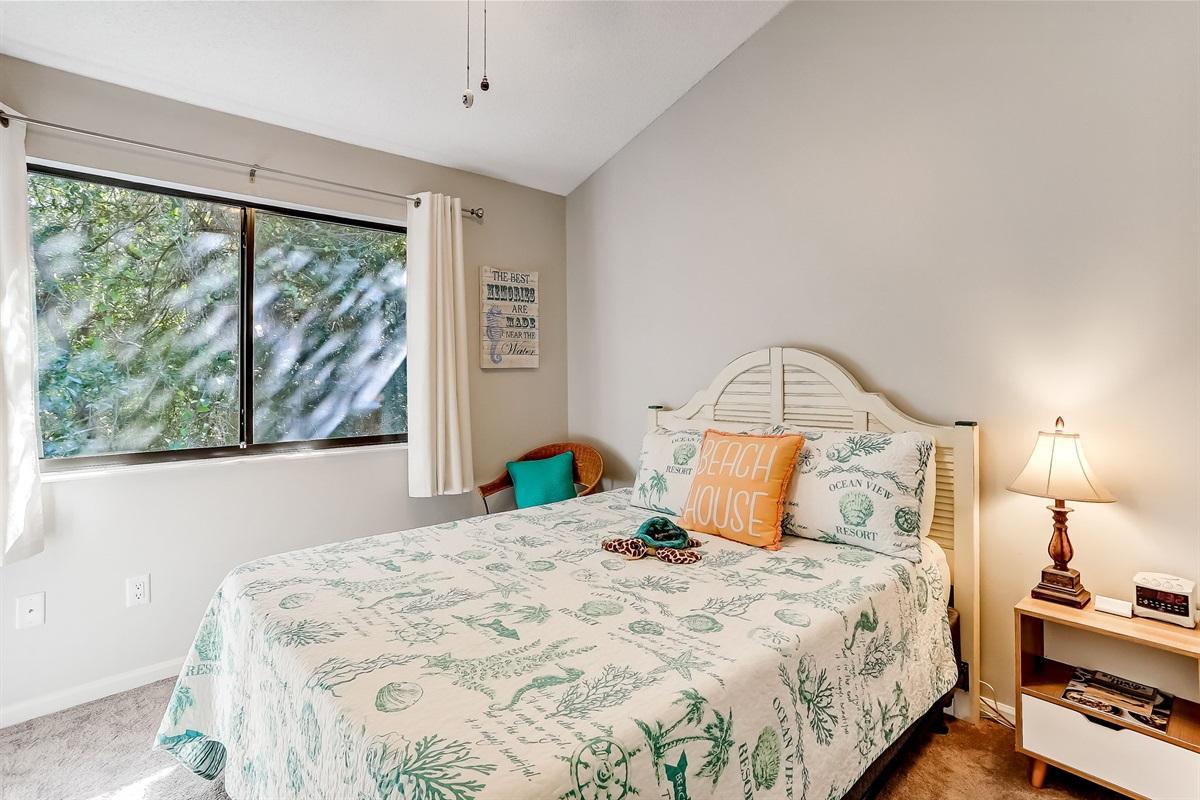 Guest Bedroom with Queen