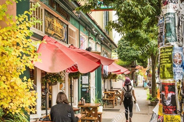 Shops and restaurants on Mississippi are just a mile away, check out our guide book for our favorites...The Pearl is a mile away...Alberta is barely two miles...