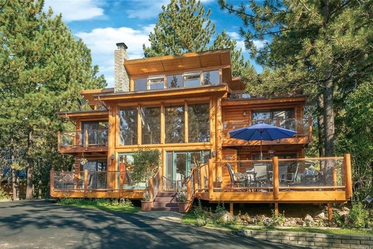 Welcome to your Big Bear dream destination!