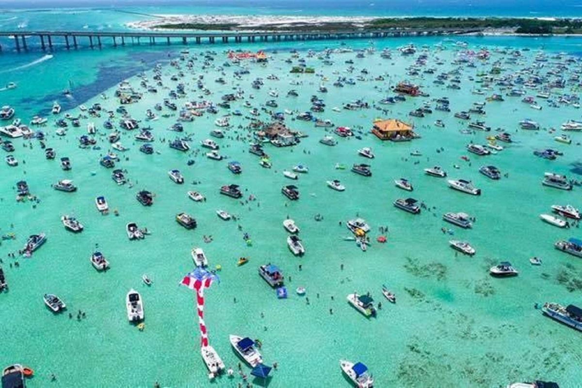 Crab island next to Destin Marina