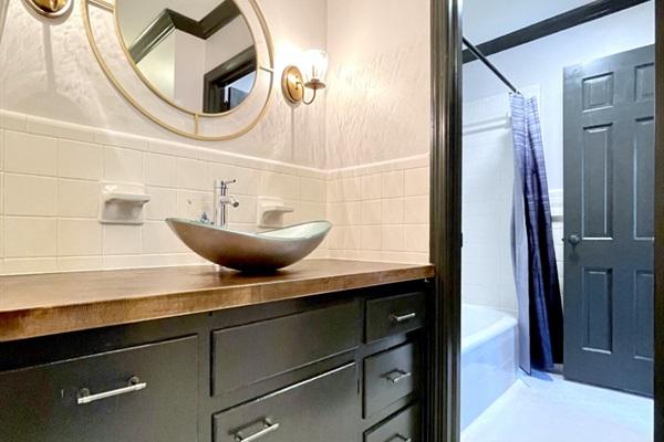 Bedroom #3 Ensuite Bath