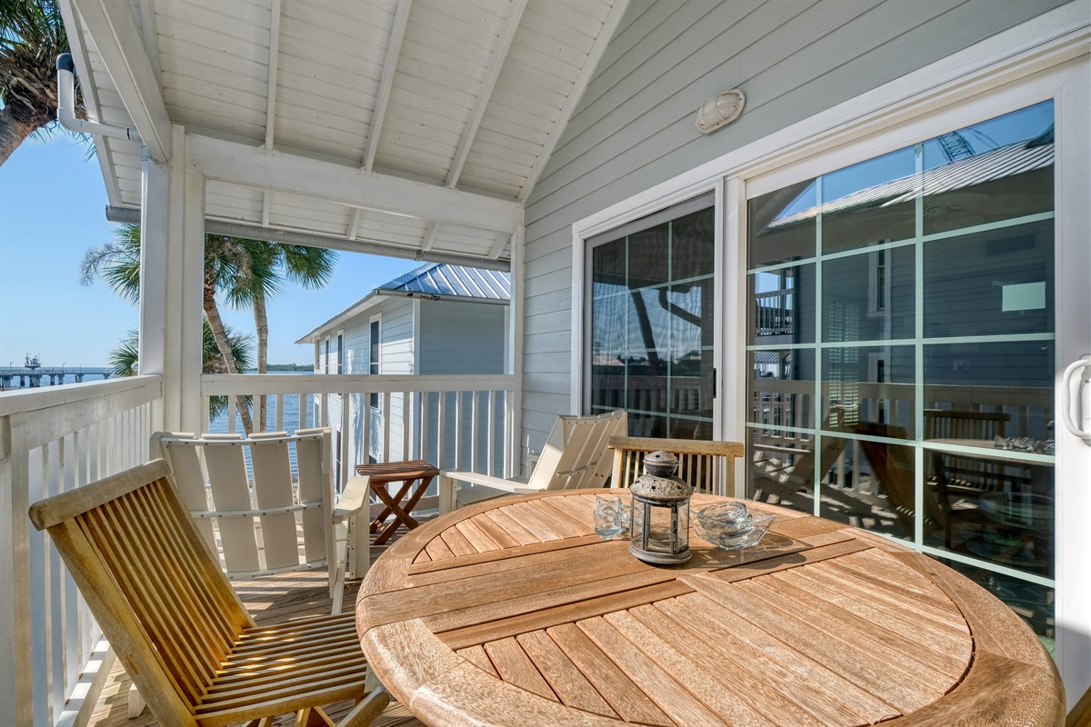 Porch has outdoor dining as an option